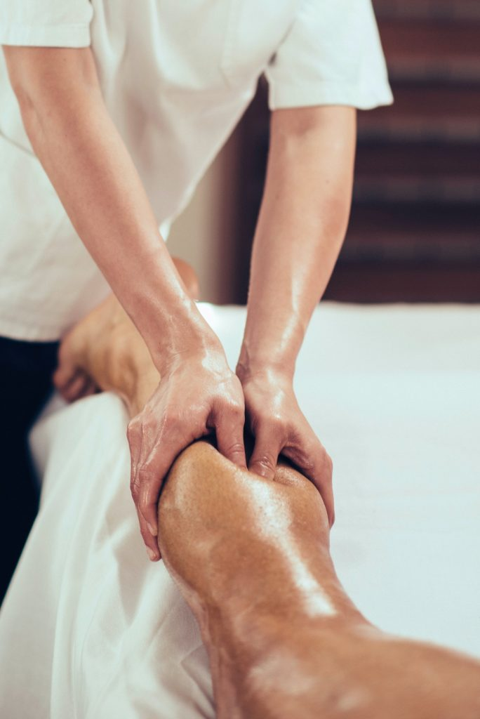 Sport massage, massaging legs